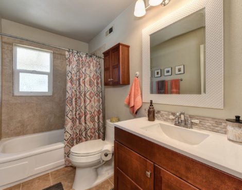 2208 Alegre Court Rancho Cordova CA 95670 ,Bath Room
