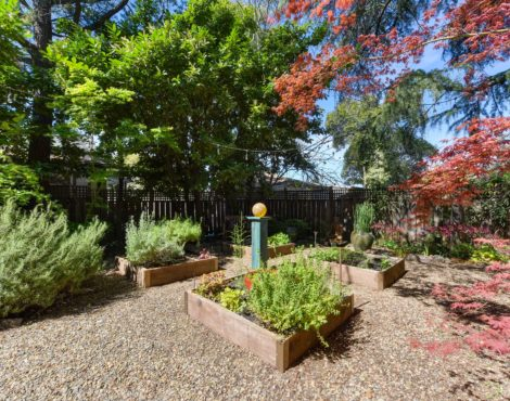 248 Cherry Ave, Auburn CA 95603, BY